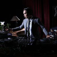 DJ Dipha Barus (Foto: Galih W Satria/Dok. Bintang.com)