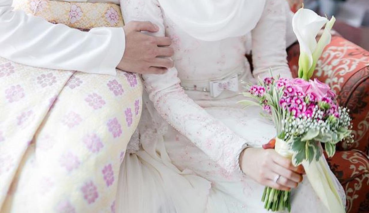 Inspirasi Gaun Pengantin Hijab Warna Putih Cocok Untuk Akad Nikah
