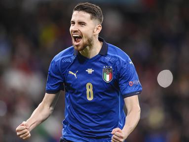 Jorginho - Pemain berusia 29 tahun ini merupakan senjata Timnas Italia merengkuh titel Euro 2020. Beberapa kali ia menjadi penentu kemenangan Gli Azzuri di ajang ini.(Foto:AP/Laurence Griffiths,Pool)