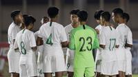 Pemain Timnas Indonesia U-16 saat melawan Filipina pada laga babak Kualifikasi Piala AFC U-16 2020 di Stadion Madya, Jakarta, Senin (16/9/2019). Indonesia menang 4-0 atas Filipina. (Bola.com/M Iqbal Ichsan)