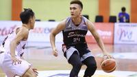 Stapac Jakarta menundukkan Hangtuah Sumsel 65-56 pada seri ketiga IBL 2018-2019 di GOR Merpati, Denpasar Bali, Jumat (14/12/2018). (Media IBL)