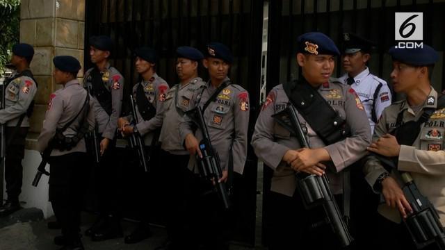 Kapolda Metro Jaya Irjen Polisi Idham Azis memerintahkan Kapolres Jakarta Pusat, dan Kapolsek Menteng untuk memantau kantor YLBHI.