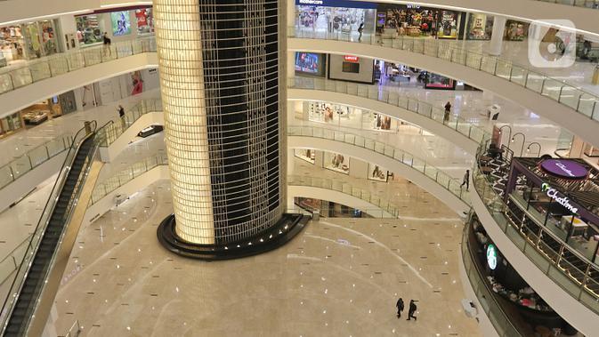 Suasana Mall Senayan City, Jakarta, Senin (15/6/2020). Pusat perbelanjaan atau mal di Jakarta kembali dibuka pada Senin (15/6) di masa PSBB transisi dengan jumlah pengunjung masih dibatasi hanya 50 persen dari kapasitas normal. (Liputan6.com/Herman Zakharia)
