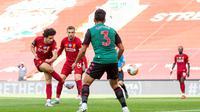 Curtis Jones ketika mencetak gol yang membuat Liverpool mengalahkan Aston Villa. (Twitter/Liverpool)