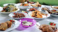 """Kalau hidangan Solo jelas kami tidak menyediakan. Semuanya khas Medan. Nanti memang keluarga dari Solo akan dijamu dengan kuliner khas Medan,"" ungkap Baby saat ditemui di rumahnya. (Deki Prayoga/Bintang.com)"