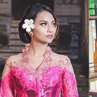 Vanessa Angel dan Jane Shalimar, dua wanita yang gagal menjalin kasih dengan Didi Mahardhika. Dan berikut ini adalah foto-foto Vanessa dan Jane. Lebih cantik siapa, Vanessa atau Jane? (Instagram/vanessaangelofficial) (Instagram/jshaz26)