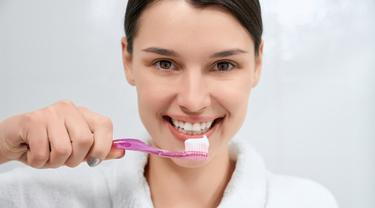 Empat manfaat menyikat lidah