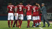 Timnas Indonesia U-16 dan Fakhri Husaini di Piala AFF U-16 2018. (Bola.com/Aditya Wany)