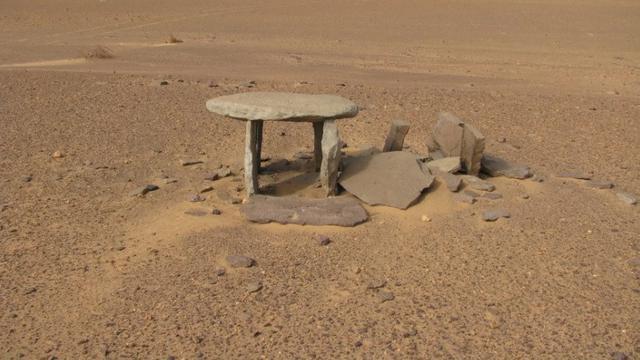 Batu Misterius di Sahara