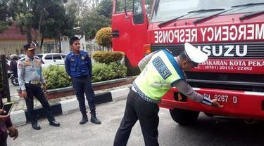 Mobil Damkar di Pekanbaru belum bayar pajak 5 tahun