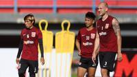 Pelatih Borneo FC, Fabio Lopez, mempersiapkan timnya dengan latihan fisik dan taktikal jelang pertemuan dengan PSS Sleman di Piala Indonesia. (dok. Borneo FC)