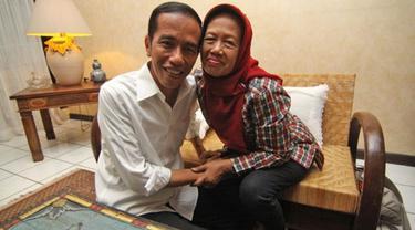 Hari Ibu, Deretan Foto Presiden Jokowi yang Hormat Pada Bundanya