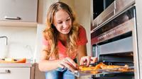 Melalui hobi rumahan berikut ini, kamu bisa menghasilkan uang yang cukup besar untuk memenuhi lifestyle dan kebutuhan sehari-hari