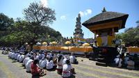 Hari Raya Galungan (Foto: SONNY TUMBELAKA / AFP)