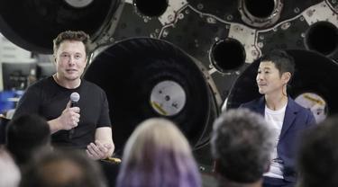Elon Musk menunjuk miliarder Jepang Yusaku Maezawa sebagai penumpang perdana perjalanan wisata ke Bulan (AP)