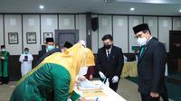 Menteri Desa, PDT dan Transmigrasi, Abdul Halim Iskandar melantik sejumlah Pejabat di lingkungan Kementerian.