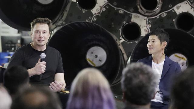 Elon Musk Gandeng Miliarder Jepang Ikut Wisata Perdana ke Bulan