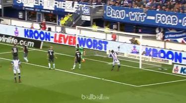 Berita video striker Heerenveen asal Iran, Reza Ghoochannejhad, gagal cetak gol mudah di Liga Belanda. This video presented by BallBall.