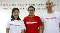 Widharmika mendirikan organisasi Indorelawan yang bisa mempertemukan para sukarelawan dengan mereka yang membutuhkan bantuan.