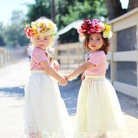 Kedua bocah berusia 2 tahun ini jadi magnet baru dunia fashion.