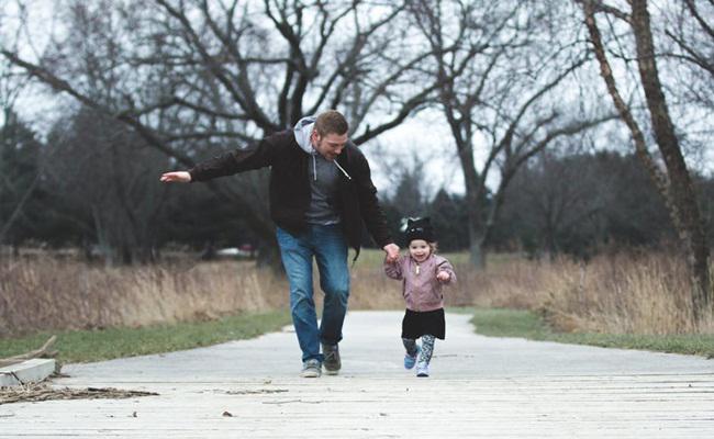 Memberi contoh baik agar jadi single parent yang baik/copyright Pexels.com