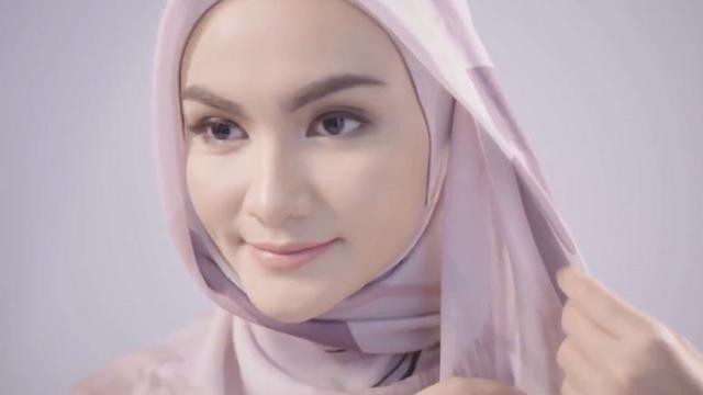 Download Video Tutorial Hijab Segi Empat Untuk Lebaran