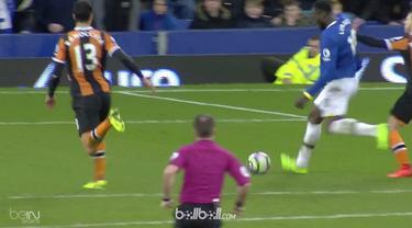 Everton menundukkan Hull City 4-0 dalam pertandingan Liga Inggris, Sabtu (18/3). Dominic Calvert-Lewin mencetak gol pembuka di saat laga baru berjalan 9 menit. Selepas gol tersebut, tuan rumah kesulitan memperbesar keunggulan sampai turun minum. Pada...