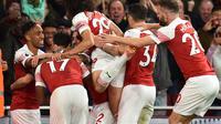 Para pemain Arsenal merayakan gol Pierre-Emerick Aubameyang ke gawang Leicester City. (AFP/Glyn Kirk)