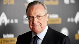 Florentino Perez - Tak perlu dipungkiri presiden Real Madrid ini merupakan orang yang tak puas dengan kinerja UEFA. Sosok yang paling bersemangat atas terbentuknya Liga super Eropa ini pun akhirnya didapuk sebagai presidennya. (AFP/Frank Fife)