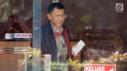 Sekretaris Daerah (Sekda) Kabupaten Tulungagung, Indra Fauzi usai menjalani pemeriksaan di Gedung KPK, Jakarta, Rabu (8/8). Indra Fauzi diperiksa sebagai saksi untuk tersangka pihak swasta Agung Prayitno. (Merdeka.com/Dwi Narwoko)