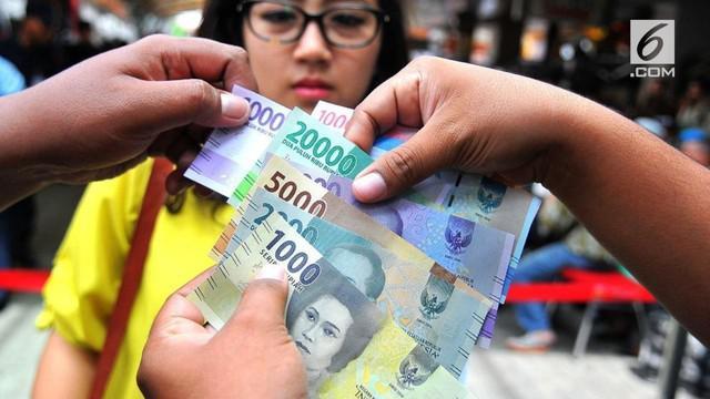Masyarakat banyak yang mengeluhkan uang pecahan 2.000 dan 20.000 dinilai mirip hingga sering tertukar saat melakukan transaksi pembayaran.