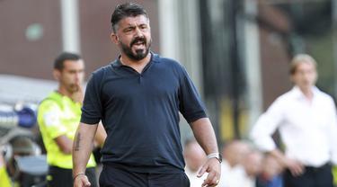 Hajar Genoa, Napoli Salip AC Milan di Klasemen Serie A