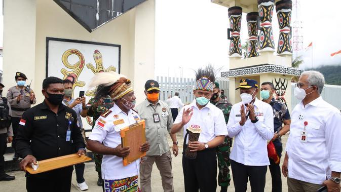 Menko PMK Muhadjir Effendy sambangi wilayah terdepan Indonesia untuk pastikan bantuan pemerintah tepat sasaran. (Istimewa)