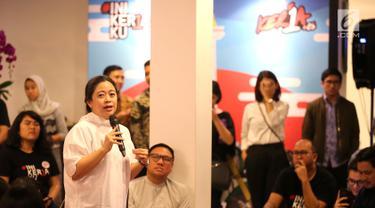 "Menteri Koordinator Bidang Pembangunan Manusia dan Kebudayaan (Menko PMK) Puan Maharani berbagi cerita pada talk show bertema ""Human Development Empowering Women in Today's Society"" di Kerja @86 Hub, Jakarta, Kamis (21/2). (Liputan6.com/Fery Pradolo)"