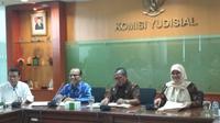 Komisi Yudisial mencatat, jumlah laporan yang diterima baik secara langsung maupun melalui pelaporan daring mencapai 1.719 sepanjang 2018 (dok. Merdeka.com)