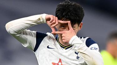 Son Heung-Min merupakan pesepak bola berkewarganegaraan Korea Selatan. Ia bergabung dengan Tottenham Hotspur pada 2015 lalu dengan seharga 30 juta euro. (Foto: AFP/Pool/Shaun Botterill)