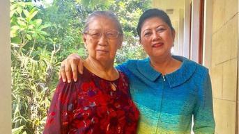 VIDEO: Sri Sunarti Hadiyah, Ibu Mertua SBY Meninggal Dunia