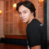 Jefri Nichol bermain di film DreadOut. (Adrian Putra/Fimela.com)