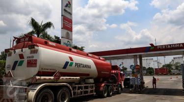 20161101-Depo Pertamina Plumpang Saat Supir Truk Tangki Mogok-Jakarta