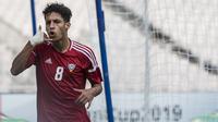 Striker United Arab Emirates, Ali Saleh, merayakan gol yang dicetaknya ke gawang Chinese Taipei pada laga AFC U-19 Championship di SUGBK, Jakarta, Minggu (21/10). UAE berhasil mengalahkan Taipei. (Bola.com/Vitalis Yogi Trisna)