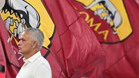 Jose Mourinho pada laga AS Roma kontra Fiorentina di pekan pertama Liga Italia 2021/2022. (Andreas SOLARO / AFP)