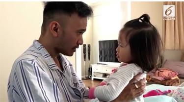 Ruben Onsu menegur anaknya karena melakukan kesalahan. Video yang diunggah di Instagram pribadi Ruben ini cukup menarik perhatian warganet.