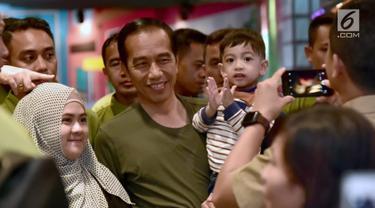 Keseruan Jokowi Malam Minggu dengan Jan Ethes di Mal Bogor