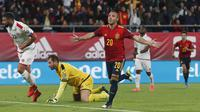 Gelandang Spanyol Santi Cazorla merayakan gol ke gawang Malta pada laga Grup F kualifikasi Piala Eropa 2020 di Ramon de Carranza, Cadiz. (AP Photo/Miguel Morenatti)