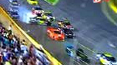 Juara 2004 Kurt Busch dari tim Dodge berhasil memenangkan balap Nascar Sprint All-Star Race. Posisi kedua, ketiga, dan keempat ditempati trio Toyota.