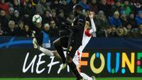 Penyerang Inter Milan, Romelu Lukaku, saat menghadapi Slavia Praha di laga kelima Grup F Liga Champions, Kamis (28/11/2019) dini hari WIB. Inter Milan menang 3-1 dalam laga ini. (AFP/MICHAL CIZEK)