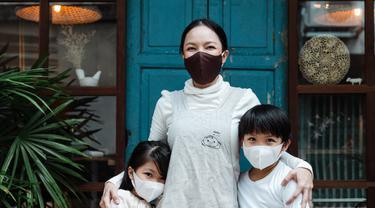 ilustrasi anak mengenakan masker