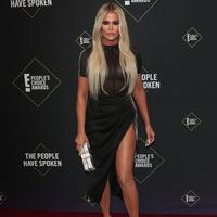 Khloe Kardashian di People's Choice Awards 2019 (FOTO: Splashnews)