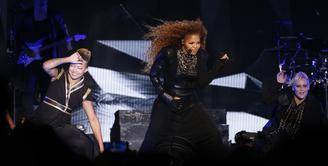 Janet Jackson sempat menghilang dari media sosial sejak awal kehamilannya. Kemarin Janet kembali hadir dengan menuliskan 'Alhamdulillah' di akun Twitternya. (AFP/Bintang.com)