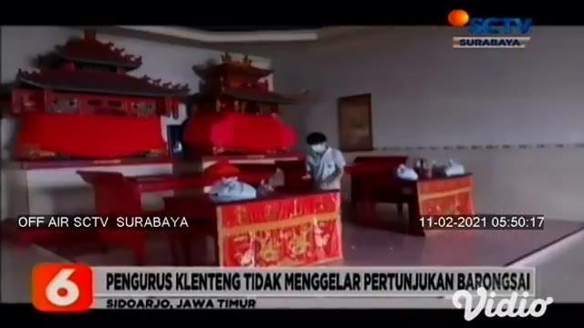 Jelang tahun baru Imlek, umat Tionghoa di klenteng Teng Swie Bio, Krian, Sidoarjo, Jawa Timur, memilih meniadakan ritual mencuci dewa musik, karena perayaan Imlek tahun ini masih masa pandemi Covid-19.